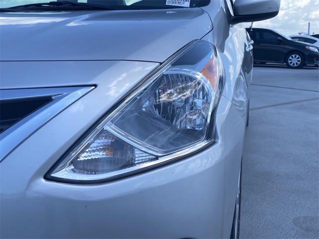 2017 Nissan Versa - Image 11
