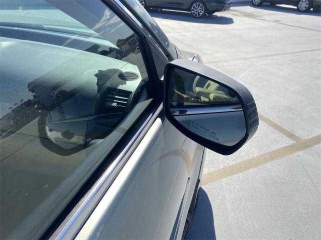 2011 Honda CR-V - Image 4