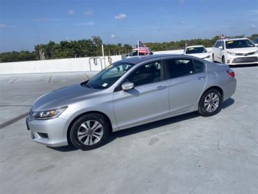 2013 Honda Accord 4D Sedan - V5621A - Image 1