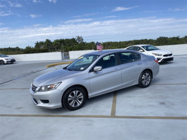2013 Honda Accord 4D Sedan - V5621A - Image 1